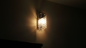 Light hues on wall and ceiling